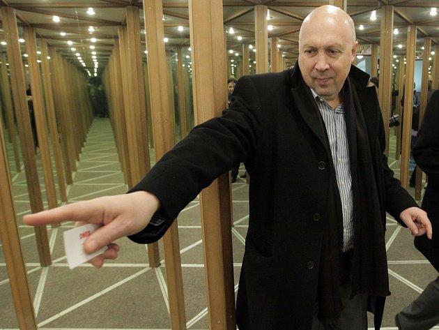 Starosta první městské části Oldřich Lomecký jako jeden z mála kandidátů TOP 09 o víkendu ve volbách uspěl. A pokročil už i v jednáních o nové koalici na Praze 1.