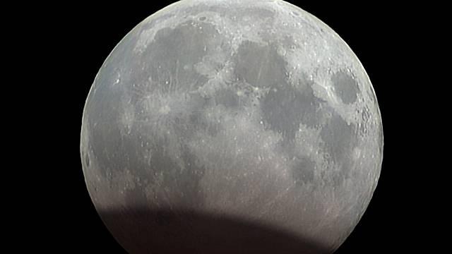 Simulace zatmění Měsíce 7. 8. 2017.