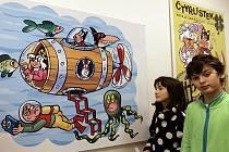Interaktivní výstava Tajemství Čtyřlístku, kterou připravila Galerie umění pro děti (GUD) společně s mladými designéry z UMPRUM k výročí 600stého vydání čísla časopisu Čtyřlístek, je určena nejen dětem. Výstava potrvá do 21. února.