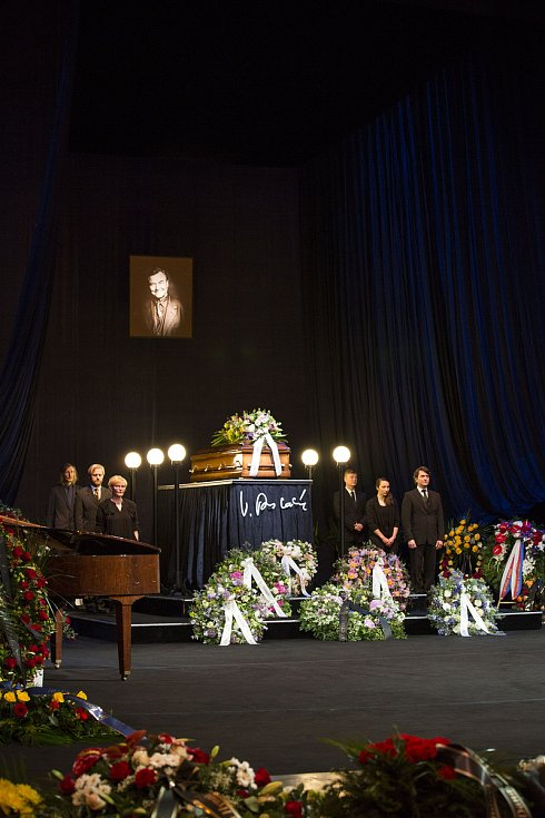 Rozloučení s Václavem Postráneckým v Národním divadle 15. května 2019.