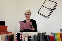 Z devátého ročníku prodejní přehlídky designSupermarket v Kafkově domě v Praze.