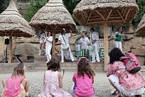 V pondělí proběhla oslava prvního otevření oblíbené indiánské vesničky Rezervace Bororo pro děti celodenní akcí v jihoamerickém stylu.