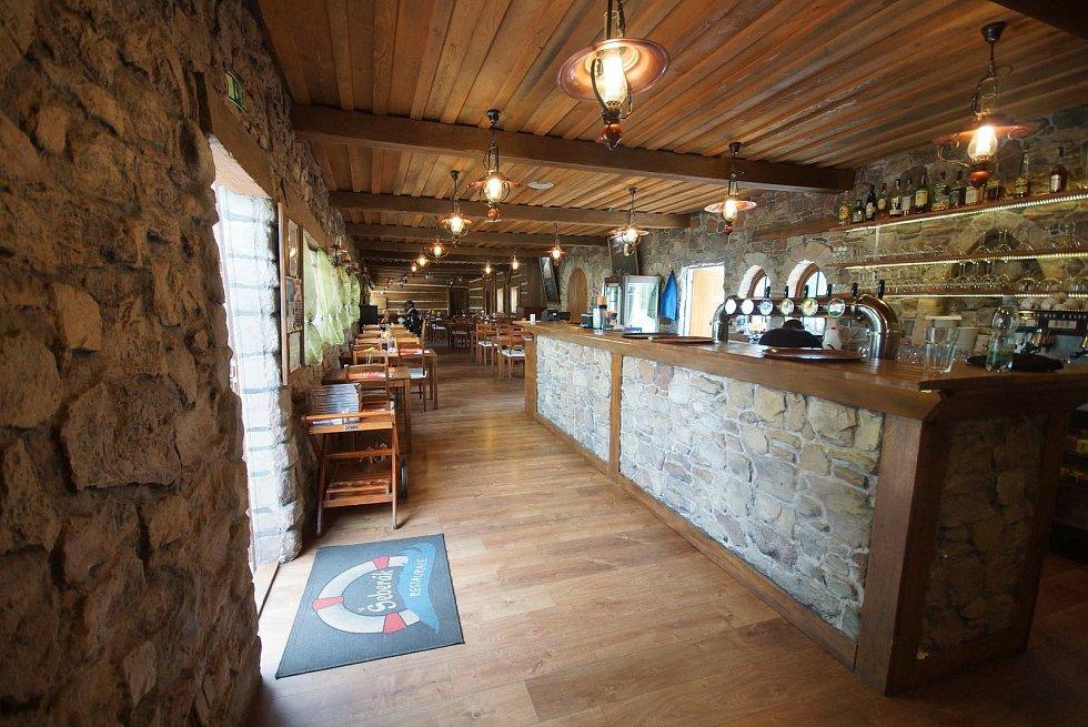 Restaurace a sportovní areál Šeberák otevřela i přes zákaz.