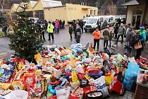 Zvířata v útulku dostala spoustu dárků.