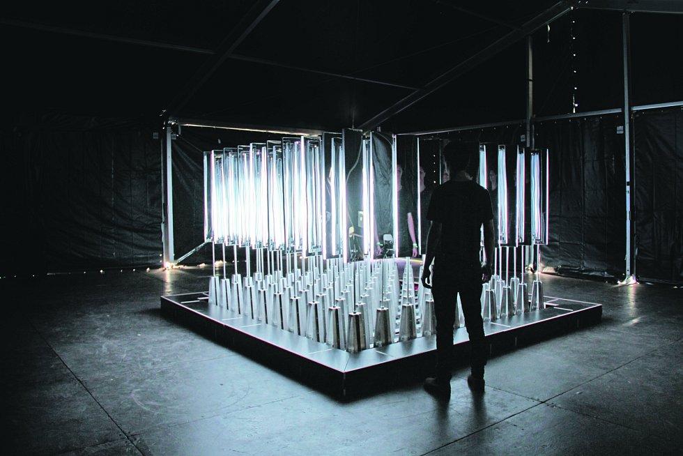 Generální zkouška SIGNAL festivalu. Zrcadlová kaple.