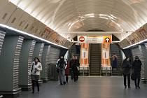 Stanice metra Karlovo náměstí.
