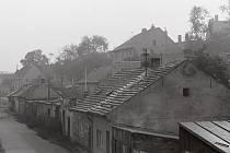 """Dnes už neexistující dělnické kolonii v Holešovicích říkali všichni místní kluci Stínadla a odmítali uvěřit tomu, že ta """"Foglarova"""" ležela někde úplně jinde."""