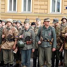 Rekonstrukce bojů na Havlíčkově náměstí.