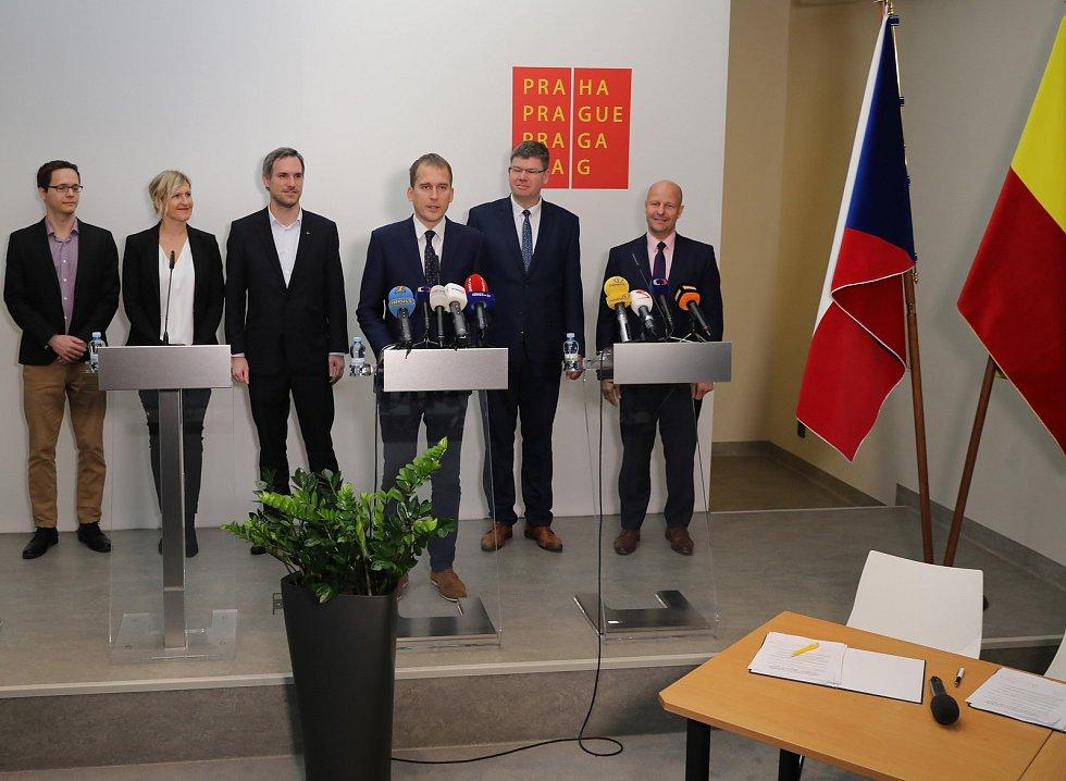 Koaliční smlouva o spolupráci v Zastupitelstvu hlavního města Prahy ve volebním období 2018 - 2022. Magistrát hl. m. Prahy 12.listopadu.