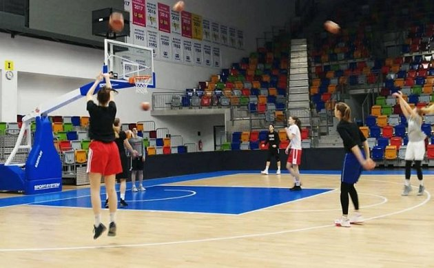 Trénink basketbalistek USK.