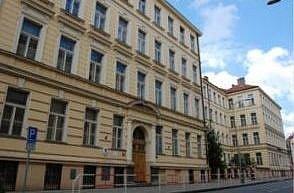 Obchodní akademie ve Svatoslavově ulici
