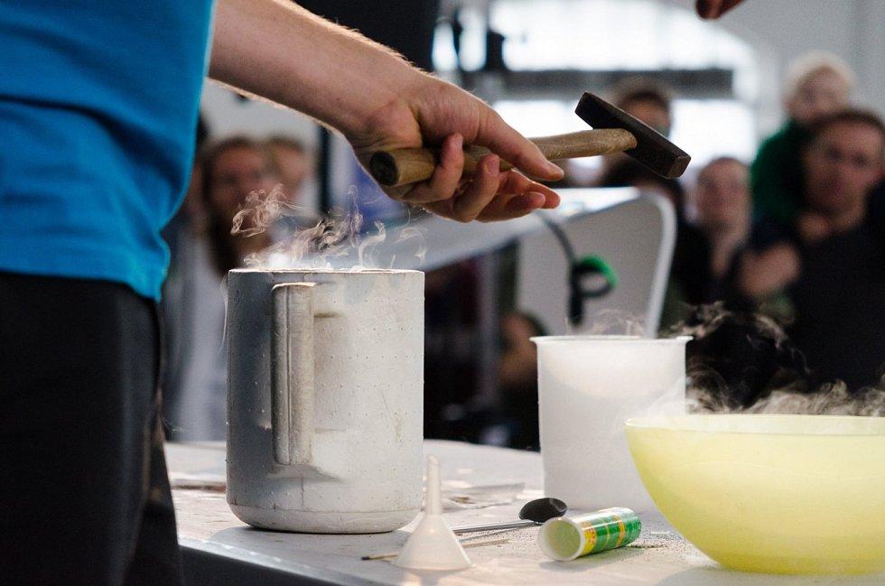 V Praze se poprvé konal festival pro kutily 21. století s názvem Maker Faire.