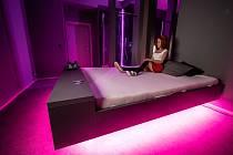 V Praze otevírá první centrum virtuální erotiky ve střední Evropě.