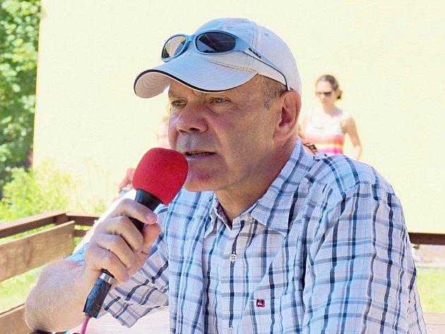 SOUČASNÝM PREZIDENTEM RC Praga Praha je Zdeněk Žák.