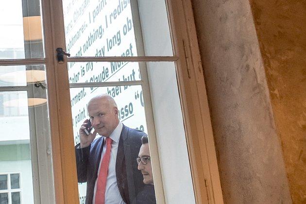 Pavel Fischer po oslavách zvolení do Senátu 13. října v Praze.
