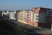 Více než třem stovkám domácností ze sídliště v Praze 4 hrozí zbourání jejich domů. Byty a rodinné domy v rámci developerského projektu Zelené údolí byly postaveny před deseti lety, dodnes ale nemají převedeny pozemky.