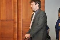 Devítiletý trest za znásilňování florbalistů soud potvrdil