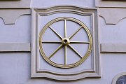 Dům U zlatého kola z roku 1634.