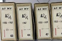Složky v archivu bezpečnostních složek.