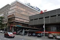 Bývalé sídlo Středočeské energetické, klientské centrum Všeobecné zdravotní pojišťovny. Vinohradská ulice.