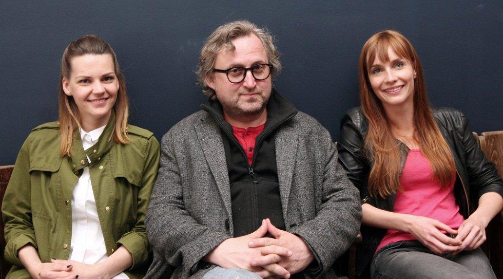 Zleva: herečka Zuzana Stavná, režisér Jan Hřebejk a herečka Hana Vágnerová.