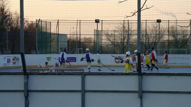 Hokejbaloví hráči by se měli přesunout na nové místo za jeden a půl roku.