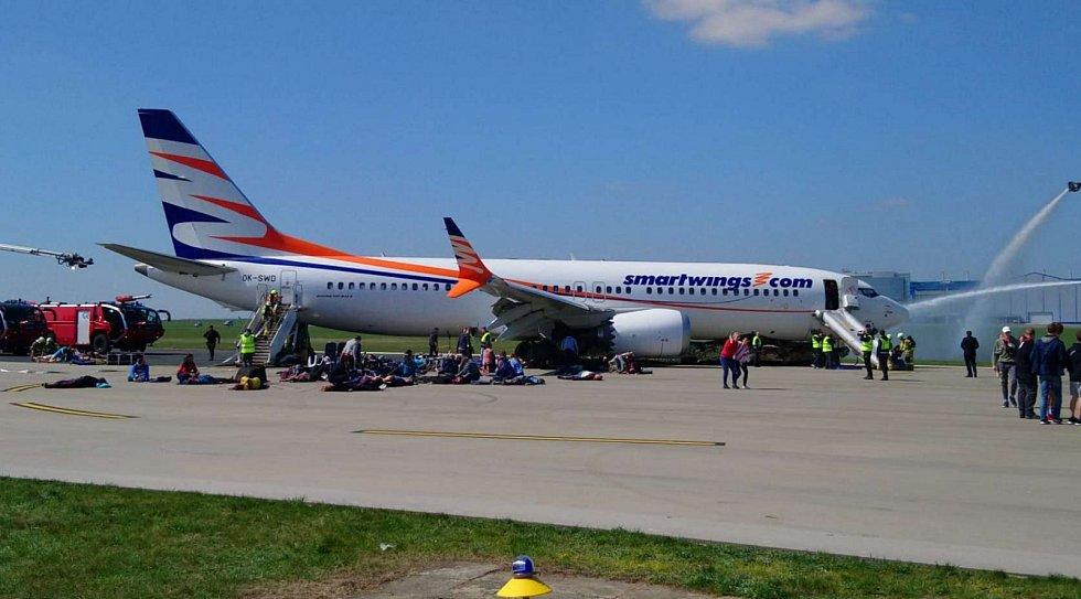 Na Letišti Václava Havla Praha proběhlo pohotovostní cvičení letecké nehody.