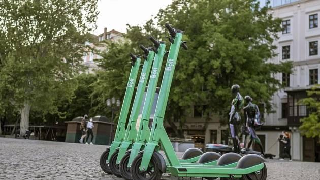 Elektrické koloběžky Bolt.