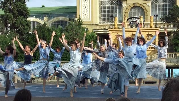 Tanec pro vodu.