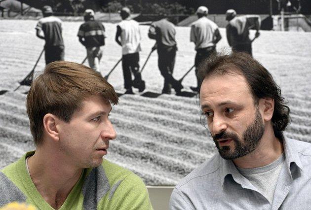 KRASOBRUSLENÍ OLYMPIJSKÝCH HVĚZD. To je název show Ilji Averbucha. Tou největší bude Alexej Jagudin (vlevo).