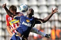 Dukla dobyla žižkovskou tvrz. V druholigovém derby zdolala Viktorku 2:1, oba góly Dukly zařídil Dani Chigou.