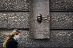 Lidé na různých místech Prahy uctívali 16. ledna památku Jana Palacha, který se 16. ledna 1969 upálil na protest proti komunistickému režimu