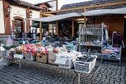 Vietnamský stánek vPražské tržnici vpražských Holešovicích, jehož prodejce řekl Deníku, že EETnemá.