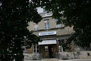 Nádraží Bubny. Stanice, z které byli transportováni všichni čeští Židé do Terezína a dalších koncentračních táborů, bude zbourána. Na jejím místě a přilehlých pozemcích vyroste jeden z největších developerských projektů na území Prahy.