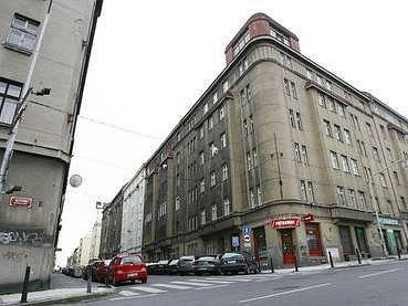 Dům č. p. 25 v ulici Františka Křížka v Praze.