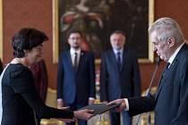 Prezident Miloš Zeman jmenoval v Praze Evu Zažímalovou do funkce předsedkyně Akademie věd ČR.