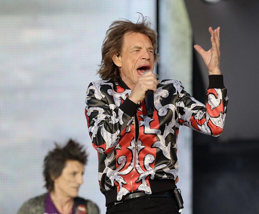 Koncert skupiny Rolling Stones na letišti v Letňanech 4. července 2018.