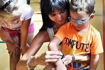 Angličtina jako hra i o prázdninách. Což je smysl příměstských letních táborů pro budoucí školáky, ale i pro ty úplně nejmenší, zatím mateřskou školou povinné.
