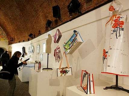 Výstava třídění a recyklace v umění a designu pod názvem Brána recyklace, která proběhla v Praze v březnu 2007.