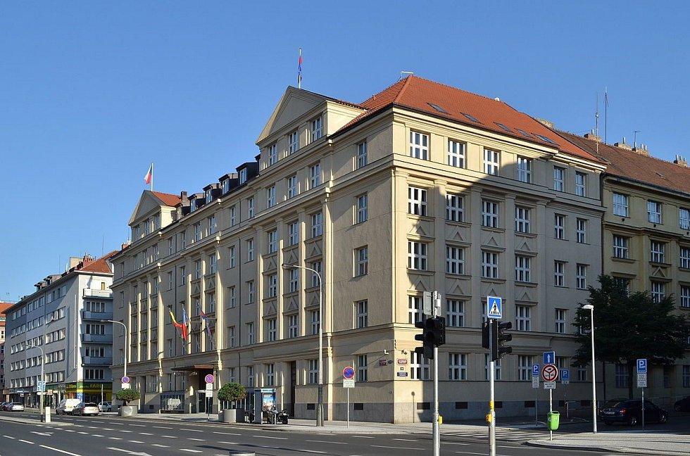 Radnice městské části Praha 6