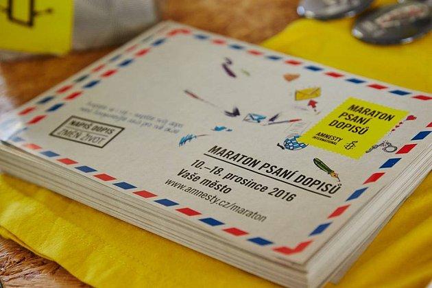 Ručně psané dopisy zahlcují od 10.do 18.prosince vybraná velvyslanectví, úřady ikanceláře prezidentů po celém světě. Do akce, která pomáhá nespravedlivě stíhaným lidem, se zapojuje přibližně 170zemí.
