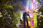 Elton John - Garden.
