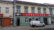 Obchody u tramvajové zastávky Stejskalova rekonstrukci Zenklovy ulice pocítily nejvíce