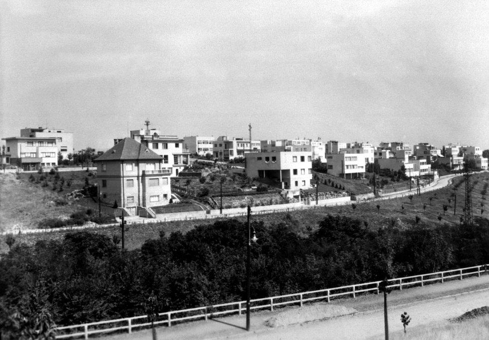 Kolonie Baba. Baba byla jednou z nejvyhledávanějších adres první republiky. Žili zde spisovatelé, architekti, akademici, továrníci i členové vlády.