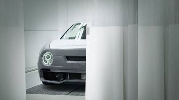 DOX vystavuje nový vůz odkazující k ikoně designu i automobilismu.