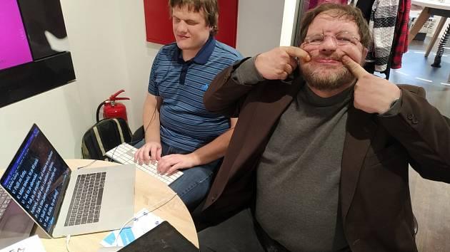 UKÁZKA Z PRAXE. Náš rozhovor s Ladislavem Kratochvílem přepsal nevidomý Lukáš Hosnedl.