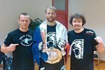 Spokojená výprava pražského Penta gymu v Německu: (zleva) Michal Hořejší, Stanislav Futera a Daniel Barták.