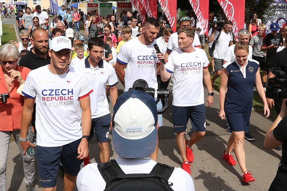 Lukáš Krpálek, Jiří Prskavec a Lukáš Rohan při návštěvě stánku oddílu juda TJ Sokol Vršovice.