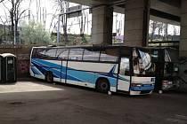 """Projekt """"Autobus"""" v pražské ulici U Bulhara je charitativní iniciativou svého druhu a je zaměřen především na pomoc lidem bez domova."""