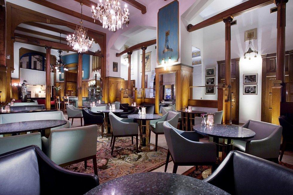 Hotel Paříž. Reastaurace.